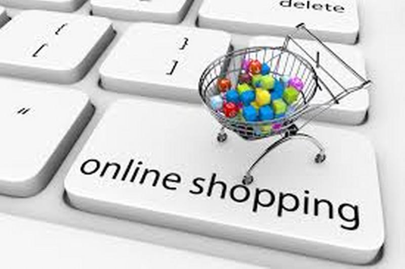 38297cdea51cc6 Siti per acquistare vestiti online | BlogMog